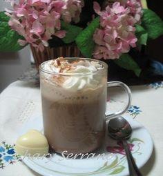 Esta tarde, en el programa Luz de gas Radioblog, os voy a dedicar una merienda un tanto especial: una bebida deliciosa, calentita, estupenda para el frío y para degustar en compañía. INGREDIENTES para 2 tazas: Café de cafetera (da igual si es natural,...