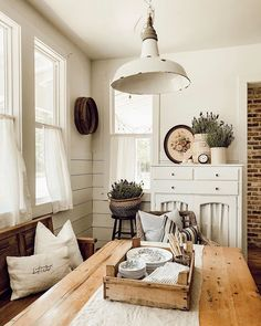 Home Interior Livingroom Whitetail Farmhouse Dining Nook.Home Interior Livingroom Whitetail Farmhouse Dining Nook The Heat, Country Farmhouse Decor, Farmhouse Style, Modern Farmhouse, Country House Interior, Farmhouse Garden, Dining Room Design, Dining Nook, Dining Table