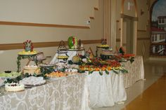 Wedding Fruit Tables #simplydelicious Buffet Set Up, Buffet Tables, Fruit Tables, Party Platters, Fruit Displays, Catering, Table Settings, Bee, Appetizers