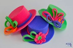 moldes de sombreros de goma espuma para imprimir - Buscar con Google Crazy Hat Day, Crazy Hats, Foam Crafts, Diy And Crafts, Crafts For Kids, Fiesta Colors, Puppet Crafts, Felt Material, Ideas Para Fiestas