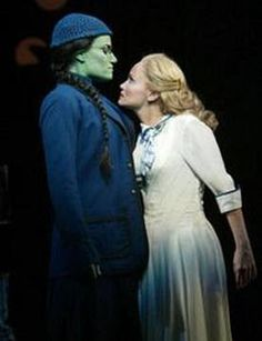 Idina Menzel & Kristin Chenowith in Wicked on Broadway as Elphaba and Glinda. I wish I could see this show. Broadway Wicked, Wicked Musical, Broadway Plays, Broadway Theatre, Musical Theatre, Wicked Witch, Elphaba And Glinda, The Witches Of Oz, Ella Enchanted