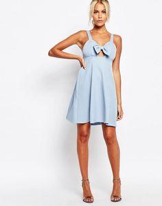 http://www.asos.fr/fashion-union/fashion-union-robe-caraco-style-babydoll-avec-nud-sur-le-devant/prd/6271923?iid=6271923