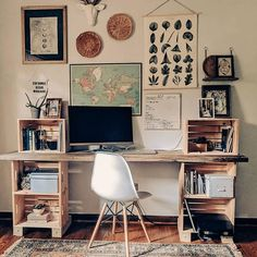 cool Cozy Desk Decor Ideas For The Ultimate Work Space Home Office Space, Home Office Design, Home Office Decor, House Design, Home Decor, Apartment Office, College Girl Apartment, Rustic Office Decor, Vintage Office Decor