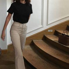 2d8954abf037 Fashion inspiratie  20 minimalistische fall winter outfits - When Sara  Smiles Mode Tips