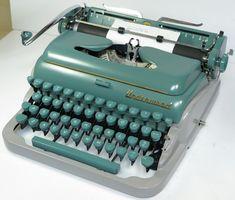 Underwood Deluxe Typewriter