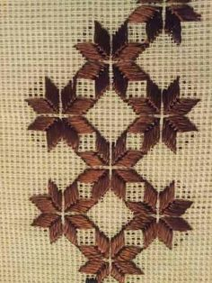 Needlepoint Stitches, Knitting Stitches, Embroidery Stitches, Needlework, Maria Goretti, Hand Embroidery Patterns Flowers, Bargello, Beading Projects, Ornaments
