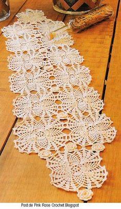Centro+de+Mesa+Crochet+Abacaxis+e+Flor.JPG (355×611)