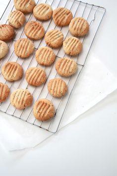 lemon honey & poppy seed cookies