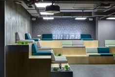 10 Office Design with Tiered Seating Areas Corner Seating, Office Seating, Corporate Interiors, Office Interiors, Architecture Office, Architecture Design, Architecture Panel, Drawing Architecture, Architecture Portfolio