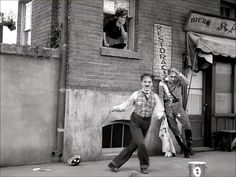 Charlie Chaplin dancing in one of my favorites movies. *the link takes you to my 2 minute short film on Vimeo. I hope you will enjoy. Street Dance, Movie Gifs, Film Movie, Charlie Chaplin Videos, Charly Chaplin, Charles Spencer Chaplin, Old Hollywood Movies, Vintage Hollywood, Film Aesthetic
