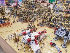 Second Battle on Geonosis Lego Army, Lego Lego, Lego Moc, Legos, Star Wars Clone Wars, Lego Star Wars, Amazing Lego Creations, Lego People, Lego Activities
