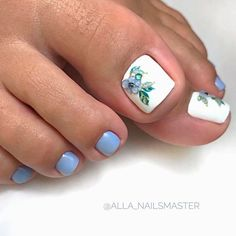 Flower Toe Nail Designs ❤ Fresh Toe Nail Art Ideas For Every Season ❤ See more ideas on our blog!! #naildesignsjournal #nails #nailart #naildesigns #toenails #toenailart #toenaildesigns #toes