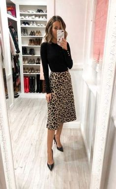 99 Latest Office & Work Outfits Ideas for Women Check latest office & work outfits ideas for women, office outfits women young professional business casual & office wear women work outfits business . Office Wear Women Work Outfits, Fall Outfits For Work, Casual Work Outfits, Work Attire, Classy Outfits, Spring Outfits, Office Attire, Chic Outfits, Outfit Work