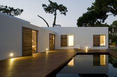 So tranquil. (Casa Banzão II by Frederico Valsassina Arquitectos) Design Exterior, Interior And Exterior, Interior Office, Casas Containers, Mediterranean Style, My Dream Home, Interior Architecture, My House, Future House