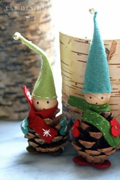 Felt Elves #pinecone #christmascraft #elves