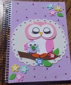 Caderno 10 matérias capa decorada em eva. confeccionado na cor e tema a pedido do cliente.  Na compra de 4 cadernos o cliente ganha um caderno grátis de 96 fls.