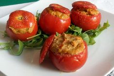 WW Tuna Stuffed Tomatoes - Tomatoes stuffed with WW tuna, recipe for a tasty dish made from tomatoes and tuna, simple and so g - Crockpot Veggies, Best Crockpot Recipes, Healthy Gluten Free Recipes, Healthy Salad Recipes, Healthy Food, Tuna Stuffed Tomatoes, Stuffed Peppers, Cooking Tomatoes, Cuisine Diverse
