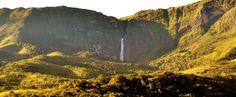A Serra da Canastra é o lar de algumas das mais belas cachoeiras do Brasil. Algumas impressionam pela altura, como a Casca d'Anta e seus 186 metros, outras pelas águas cristalinas. Separamos 8 para você conferir❤️: