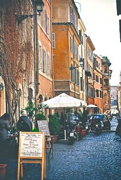 Walk the streets of Trastevere - Things to do in Rome, Italy (tips on our blog). Hey @texasblonde07!