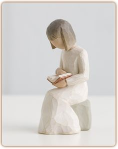 """Willow Tree Figurine-Wisdom """"A lifelong love of learning"""" Willow Tree Statues, Willow Tree Figurines, Willow Tree Angels, Book Lovers, Tree People, Sculpture, Collectible Figurines, I Love Books, Body Gestures"""