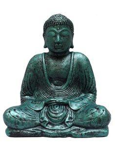 """Escultura de Buda Meditando feita em cimento para decoração, com pintura pátina Verde. Pode ser utilizada em ambiente internos ou externos. Sugestão ideal para decoração de seu jardim. """"Coisas positivas atraem coisas positivas"""" e nada mais positivo do que uma imagem de Buddha para decorar e encantar seu ambiente. Tamanho da peça: Altura 30cm x Largura 22cm x Profundidade 15cm FABRICAMOS NA COR QUE DESEJAR, SOB ENCOMENDA. E-mail: contato@artesintonia.com.br"""