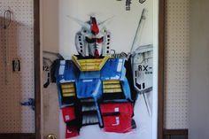 Gundam RX-78-2 airbrush Painting onto door  by Gabriel Gault