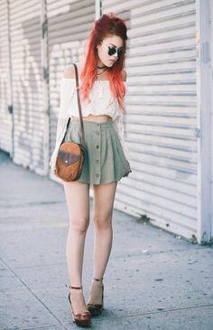 10 1, 2015 Este top, esta falda y zapatos juntos, uno de mis looks favoritos hasta el momento. El conjunto es, sin duda inspirado en los años 70s y la tendencia bohemia del momento (que básicamente es (Vintage Top Outfit)