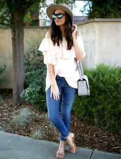 ootd: pink blush ruffle top with jeans and sandals | summer to fall style | transitional outfits | fall fashion | fashion ideas for fall || Katie Did What