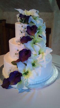 Awesomeweddingcakescheap.com - Buy cheap wedding cakes in Utah.