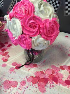 Bouquet of mini vanilla cupcakes