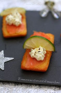 Financier with lime and smoked salmon - Amandine Cooking - - Brunch Appetizers, Brunch Recipes, Appetizer Recipes, Food L, Christmas Brunch, Xmas Food, Snacks, Smoked Salmon, Food Dishes