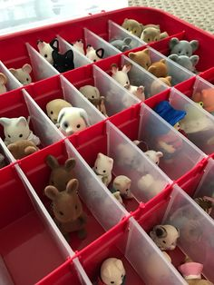 Some great ideas for storing Calico Critters as well as a tutorial for making a play mat