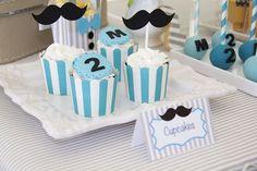 Hoje trouxemos uma inspiração de festa tema Mustache que serve tanto para celebrações infantis quanto adultas, como o Dia dos Pais. Confira!