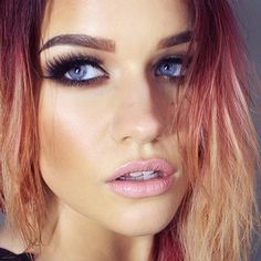 Love her amazing ombré hair and makeup x Stunning Makeup, Pretty Makeup, Makeup Looks, Makeup Style, Flawless Makeup, All Things Beauty, Beauty Make Up, Hair Beauty, Beauty Art