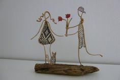 Les Amoureux - figurines en ficelle et papier