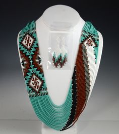 Navajo Beaded Necklace, Rena Charles, Sedona Indian jewelry, Sedona Native American, Oak Creek Canyon                                                                                                                                                     Más