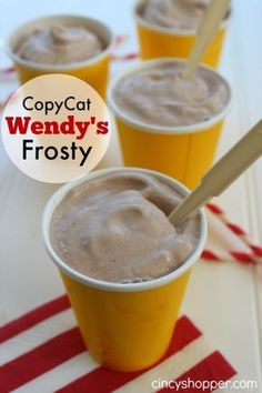 CopyCat Wendy's Chocolate Frosty Recipe - it's easy to make homemade. CopyCat Wendy's Chocolate Frosty Recipe - it's easy to make homemade. Frozen Drink Recipes, Frozen Drinks, Frozen Desserts, Frozen Treats, Frozen Lemonade, Summer Desserts, Copycat Wendy's Frosty Recipe, Wendys Frosty Recipe, Homemade Wendy's Frosty Recipe
