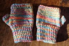 Adorable kids fingerless gloves « Kiwiyarns Knits - for Jack's request