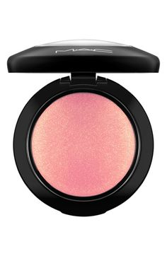 Mac Cosmetics Mineralize Blush - Just A Wisp Mac Makeup Looks, Best Mac Makeup, Best Makeup Products, Beauty Products, Eye Makeup, Blush Mac, Blush Brush, Mac Mineralize Blush, Professional Makeup Kit