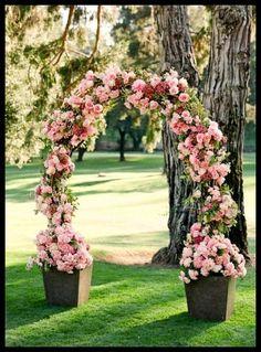 Piekny Romantyczny Luk Weselny | Glorious Ceremonial Arch