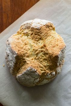 Love soda bread but have no buttermilk? This simple recipe for soda bread without buttermilk is the solution. Easy to make, and tastes absolutely delicious! Soda Bread Without Buttermilk, Buttermilk Recipes, Banana Bread Recipes, Buttermilk Bread, Cooking Bread, Cooking Recipes, Cooking Pasta, Vegetarian Recipes, Recipe For Soda Bread