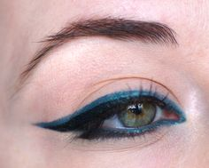 maquillage des yeux crayon bleu ver