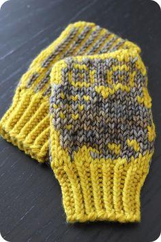 Mini motif baby mittens by Nett Hulse