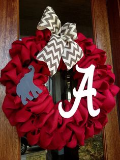 Alabama Football Burlap Wreath - Roll Tide, Game Day College Football SEC Alabama Crafts, Alabama Wreaths, Alabama Football Wreath, Sweet Home Alabama, Alabama Baby, Alabama Room, Alabama Decor, Football Crafts, Diy Wreath