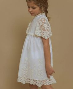 Yellow Theme, Spanish Fashion, Yellow Wedding, Wedding Trends, Mother Of The Bride, Doll Clothes, Kids Fashion, White Dress, Flower Girl Dresses