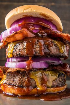 This Grilled Brisket Burger is packed with unique flavor you don't get from regular ground beef. Top it with bacon, onions, and cheddar cheese for a truly epic burger. Grilled Brisket, Brisket Burger, Burger Meat, Grilled Steak Recipes, Gourmet Burgers, Burger And Fries, Burger Recipes, Grilling Recipes, Cooking Recipes