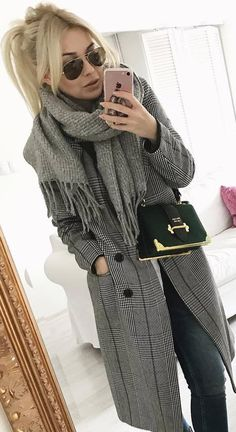cool winter outfit / scarf coat bag skinnies