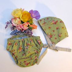 Newborn to 3 mo 2 pc Girl Hat and Diaper Cover by JackieSpicer