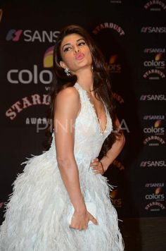 Jacqueline Fernandes sexy cleavage + other Hot pictures! Indian Actress Photos, Indian Bollywood Actress, Beautiful Bollywood Actress, Bollywood Fashion, Beautiful Actresses, Indian Actresses, Bollywood Saree, Hot Actresses, Indian Celebrities