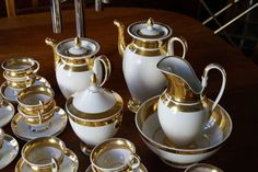 'Old Paris' French Gold Gilded Coffee and Tea Service, Empire period, 1800-1820 2